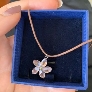 Pink flower swarvoski brand brand new necklace